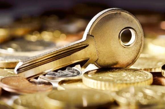 klucz na monetach
